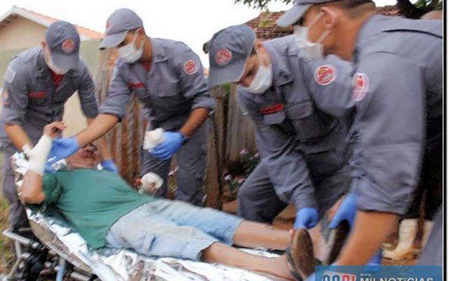 Idoso de 92 anos foi gravemente ferido no braço direito, além de sofrer cortes superficiais na testa. Foto: DIVULGAÇÃO
