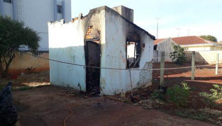 Empregada doméstica morreu carbonizada em incêndio em Miguelópolis, SP (Foto: Polícia Militar/Divulgação).
