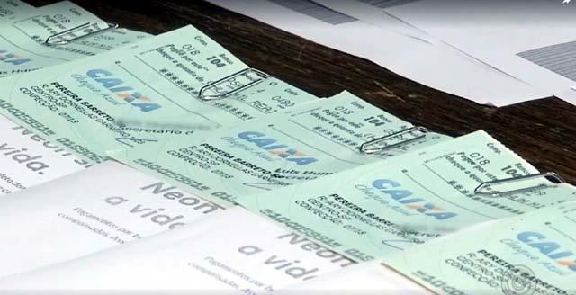 Golpista tentou pagar falsos boletos com cheques da prefeitura de Pereira Barreto (SP) (Foto: Reprodução/TV TEM)
