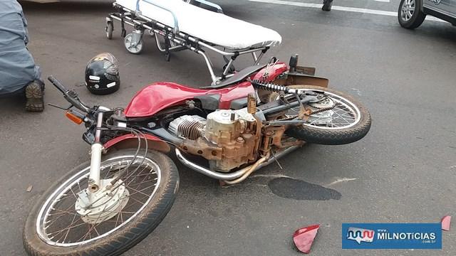 Motocicleta sofreu algumas avarias, como entortamento do guidão, bengalas, quebra de um dos retrovisores e riscos no tanque. Foto: MANOEL MESSIAS/Agência