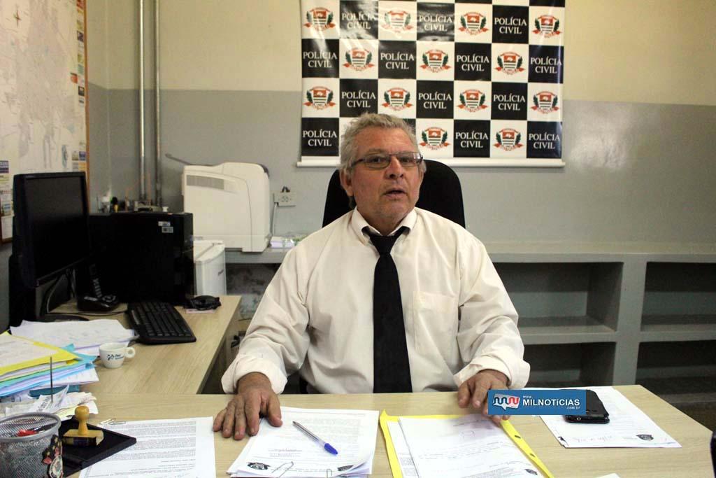 Delegado Tadeu conduziu o ato de prisão da ex-vereadora no 1º DP. Foto: MANOEL MESSIAS/Mil Noticias