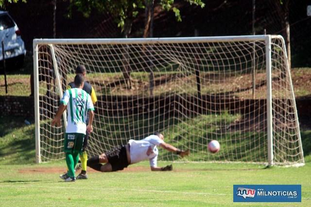 Guarani (listrado verde e branco), superou com facilidade a equipe da Funsep. Fotos: MANOEL MESSIAS/Mil Noticias