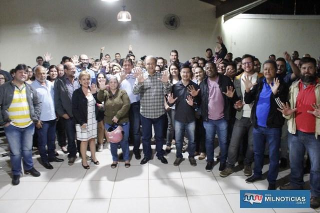 Mais de uma centena de pessoas foram ouvir as propostas do candidato. Foto: MANOEL MESSIAS/Mil Noticias