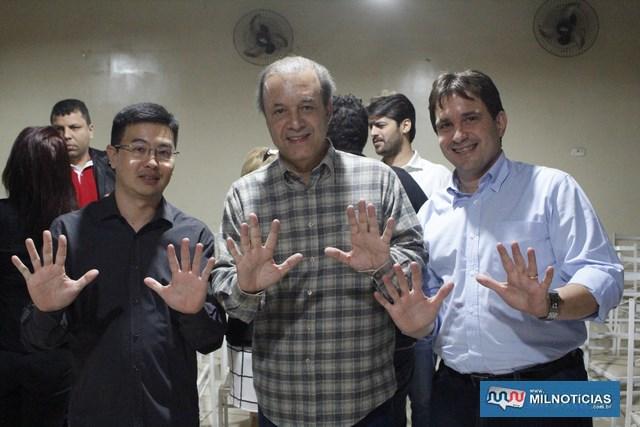 A partir da esq., presidente da Acia, Otávio Uchiyama, Eleuses Paiva e Maurício Carneiro. Foto: MANOEL MESSIAS/Mil Noticias