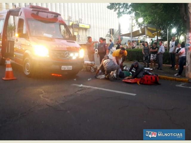 Funcionária do trailer de lanches sofreu fratura da perna esquerda ao ser atropelada por uma motocicleta. Foto: DIVULGAÇÃO