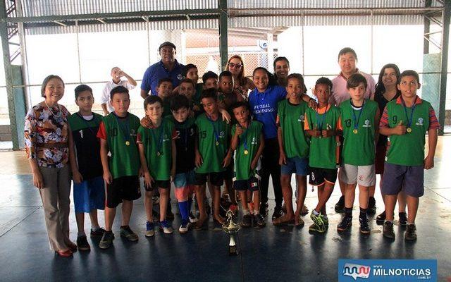 Prefeita durante a final da competição na escola Zoraide de Carvalho Oliveira. Foto: Secom/Prefeitura