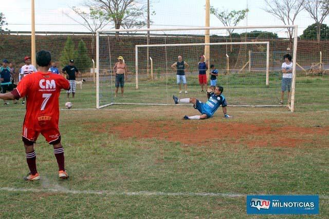 Para piorar, jogador do Bela Vista chutou uma das penalidades para fora. Foto: MANOEL MESSIAS