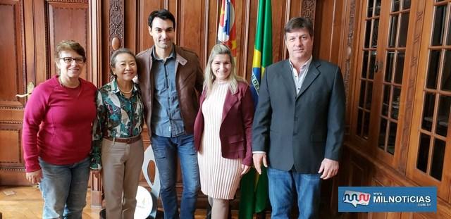 Tamiko e Pedrinho durante reunião com o secretário de esporte, Lazer e Juventude do Estado de São Paulo, Cacá Camargo. Foto: Secom/Prefeitura