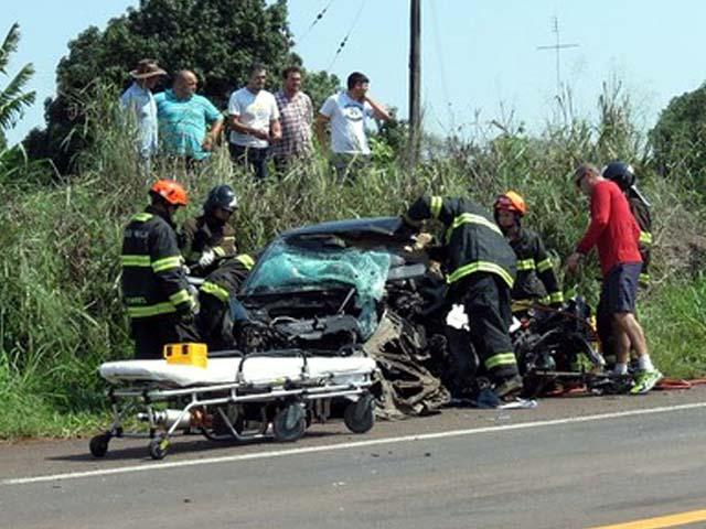 Mesmo socorrido pelos bombeiros, Rapaz não resistiu aos ferimentos. Foto: Jorge Zanoni/cedida