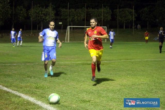 Guaporé (vermelho e amarelo), correu muito, venceu por 6 a 2, mas não foi o suficiente para chegar à final do Bate Coração 2018. Foto: MANOEL MESSIAS/Mil Noticias