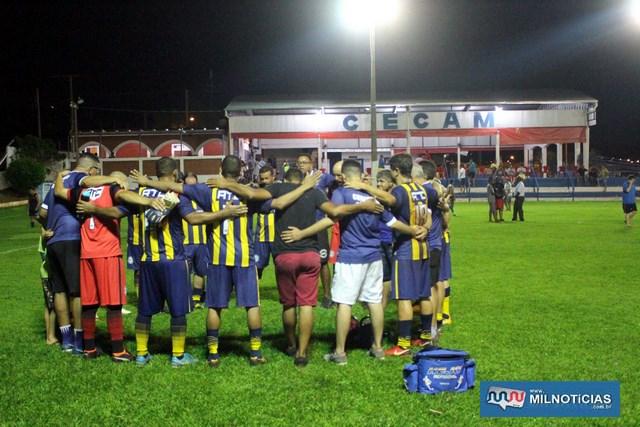 Jogadores e comissão técnica do ATC comemoram classificação à final. Foto: MANOEL MESSIAS/Mil Noticias