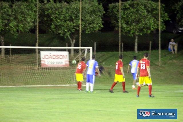 Nem a 'chuva' de gols do Guaporé (amarelo e vermelho), foi o suficiente para a equipe ir à final. Foto: MANOEL MESSIAS/Mil Noticias