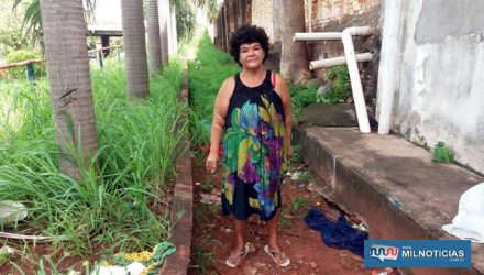 """""""Maria do Crochê"""" voltou a viver na rua novamente após ganhar a liberdade. Foto: MANOEL MESSIAS/Agência"""