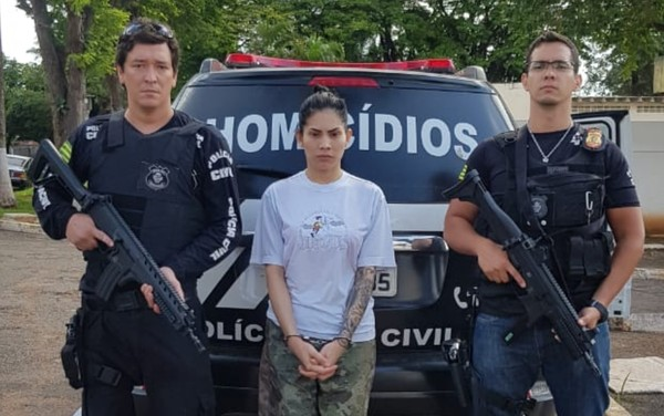 Renata Vermont, de 24 anos, foi apresentada como indiciada por morte de homem em boate de Goiânia — Foto: Divulgação/Polícia Civil