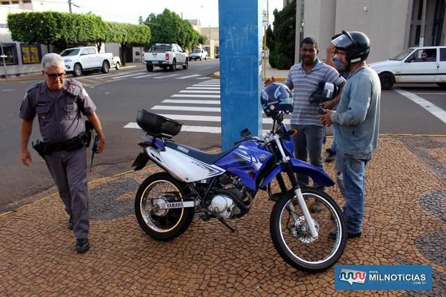 Moto Yamaha sofreu pequenas avarias e ficou aos cuidados do pai do piloto. Foto: MANOEL MESSIAS/Agência
