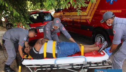 Junior caiu no asfalto, sofrendo escoriações pelo corpo e contusão na clavícula direita. Foto: MANOEL MESSIAS/MIL NOTICIAS