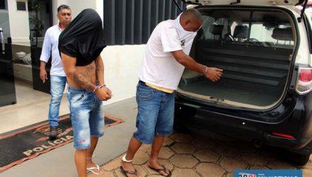 """""""Neguinho"""" (dir.),  egresso há um mês do sistema prisional (criminal no art. 157, 155, 141, 28,) oriundo de Araçatuba. Foto: MANOEL MESSIAS/Agência"""