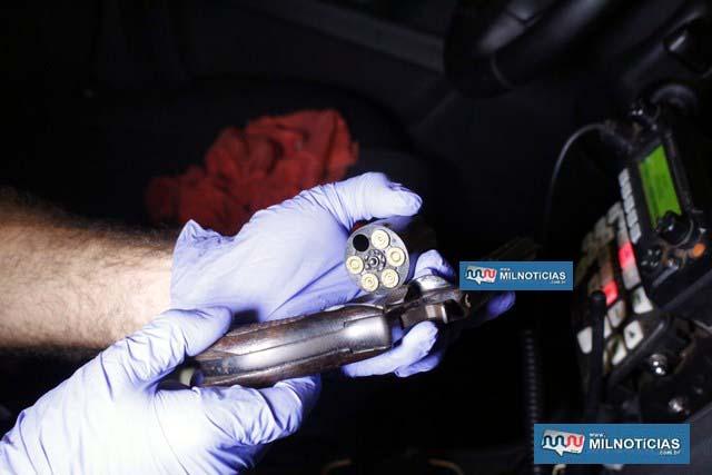 Revólver calibre .32mm, usado pelo atleta para atirar na esposa e depois contra sua própria cabeça. Foto: MANOEL MESSIAS/Agência
