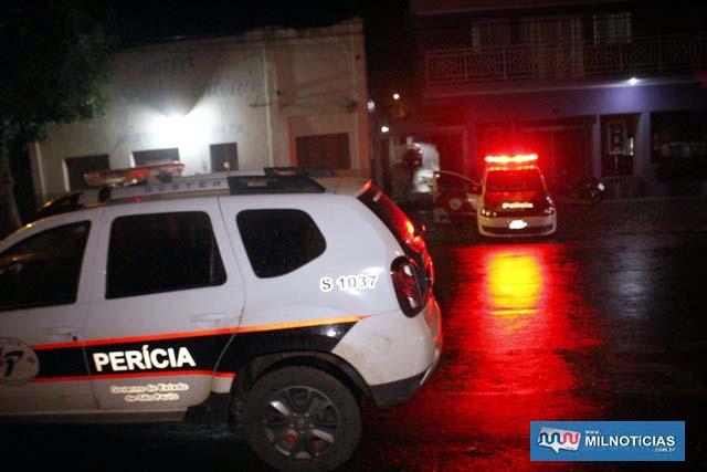 Perícias técnico;científica foi ao local dos fatos. Foto: MANOEL MESSIAS/Agência