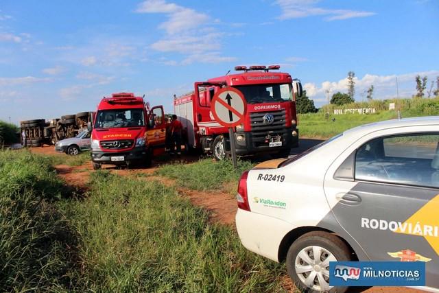 Corpo de Bombeiros, Polícia Rodoviária e homens do DER trabalharam no acidente. Foto: MANOEL MESSIAS/Mil Noticias