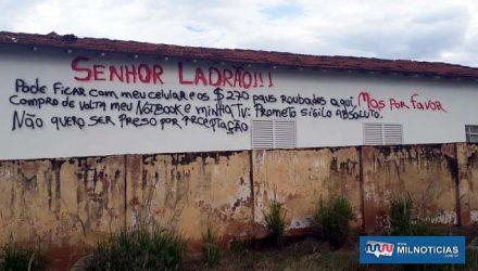 Desabafo de vítima na parede de sua casa chamou a atenção e muitas pessoas compartilharam em rede social. Foto: MANOEL MESSIAS/Mil Noticias