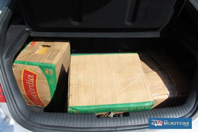 Maconha estava acondicionadas em caixa de papelões no porta malas do veículo dos bandidos. Foto: MANOEL MESSIAS/Mil Noticias