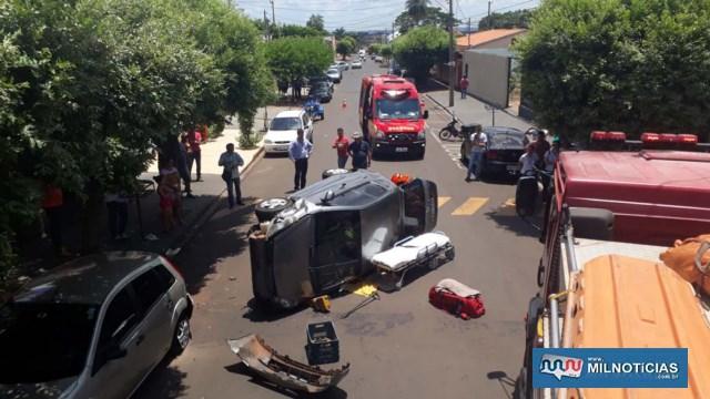 Acidente inusitado aconteceu no cruzamento das ruas Floriano Peixoto com Bandeirantes. Foto: MANOEL MESSIAS/Mil Noticias