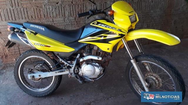 Motocicleta sofreu pouquíssimas avarias e ficou guardada em uma residência até que a vítima pudesse resgata-la. Foto: MANOEL MESSIADS/Agência