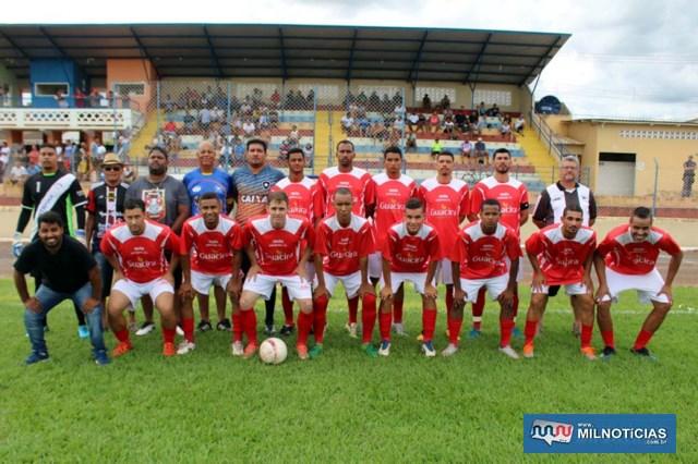 União Liverpool (vermelho e branco), é a outra equipe finalista do Amador. Foto: MANOEL MESSIAS/Agência