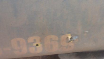 Foto mostra marca dos tiros após o confronto em fazenda em Colniza — Foto: Arquivo pessoal.