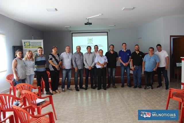 Encontro discutiu a implementação do Sistema de Comercialização Agrária. Foto: Secom/Prefeitura