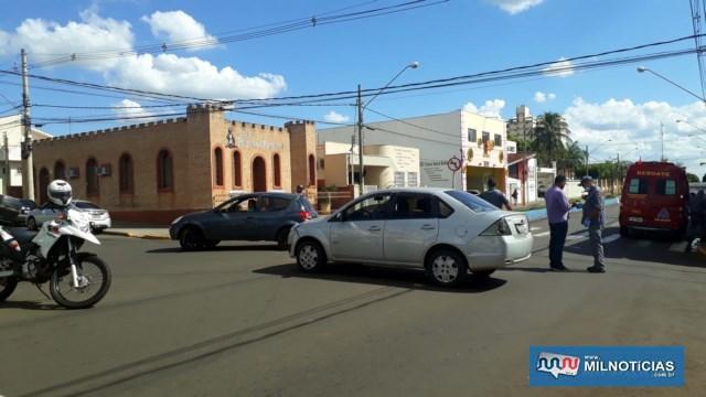 Fiesta teve arrancada a placa e sofreu pequenos danos no parachoque dianteiros. Foto: MANOEL MESSIAS/Agência
