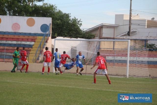 Zaqueiro Paulo (nº 2), do União (vermelho), fez o único gol de sua equipe. Foto: MANOEL MESSIAS/Mil Noticias