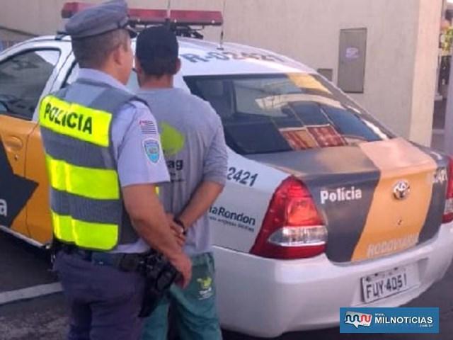 Motorista foi encaminhado ao 2º DP, indiciado por uso de documento falso. Ele vai responder ao processo em liberdade. Foto: MANOEL MESSIAS/Agência