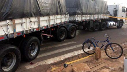 Criança morreu depois de ter corpo atingida por carreta carregada com celulose. Foto: DIVULGAÇÃO