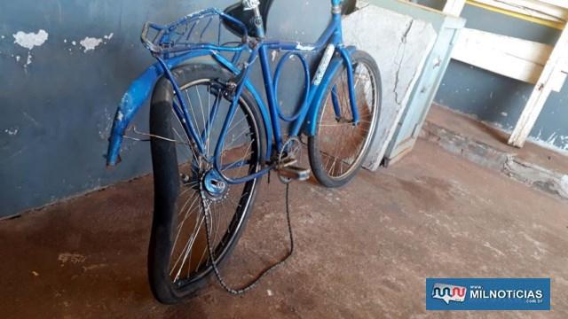Carreta passou sobre a roda traseira da bicicleta ocupada por mãe e filha. Foto: DIVULGAÇÃO
