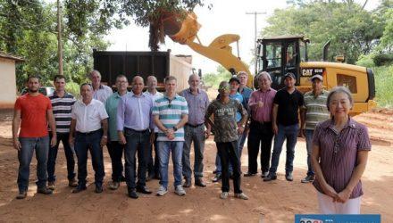 Estrada Vicinal Emitério Castilho Gimenez, que liga a Vila Passarelli ao Patrimônio de Paranápolis terá pavimentação histórica. Foto: Secom/Prefeitura