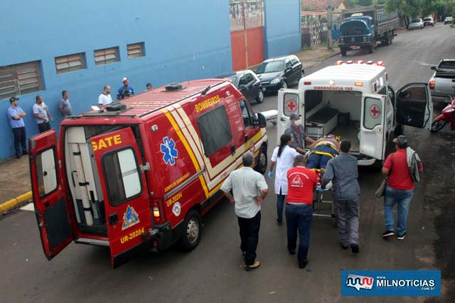 Passageira do VW Fox reclamava de muitas dores no quadril e seria melhor avaliada em exames de raio X na UPA. Foto: MANOEL MESSIAS/Agência