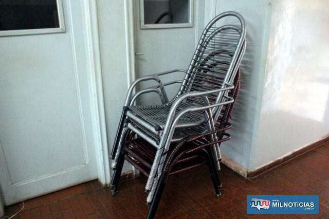 furto_cadeiras2