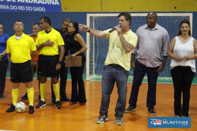 Vice prefeito Pedrinho Bentivóglio fala aos presentes. Foto: MANOEL MESSIAS