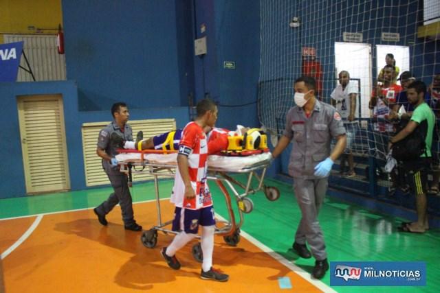 Atleta foi socorrido pelos bombeiros até a UPA - Unidade de Pronto Atendimento, onde passou por sutura do ferimento. Foto: MANOEL MESSIAS/Mil Noticias