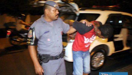 Acusado foi indiciado e permaneceu à disposição da justiça para apresentação em audiência de custódia. Foto: MANOEL MESSIAS/Agência