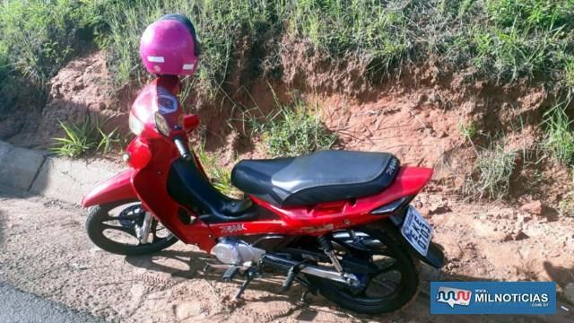 Motoneta Biz sofreu pequenas avarias no acidente e foi liberada para um irmão do rapaz que a conduzia. Foto: MIL NOTICIAS/Agência