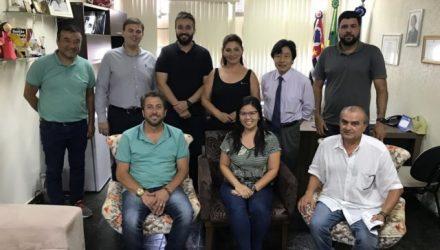 Representantes da Acia e  Sincovan se reuniram com secretários da Prefeitura de Andradina para tratar do assunto. Foto: DIVULGAÇÃO