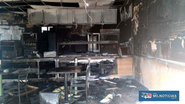 Interior da lanchonete ficou completamente destruído. Foto: DIVULGAÇÃO