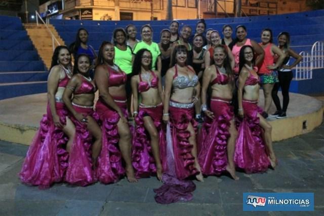 As professoras de zumba e dança do ventre do projeto Nasce (Núcleo de Atividades Sociais, Culturais e Esportivas. Foto: Secom/Prefeitura