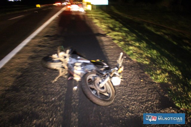 Motocicleta sofreu avarias consideráveis na traseira e lado esquerdo. Foto: MANOEL MESSIAS/Agência