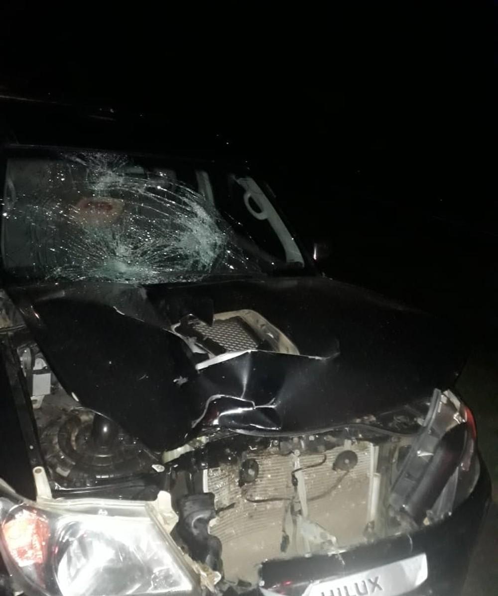 Homem foi atropelado por caminhonete — Foto: Polícia Rodoviária/Cedida.