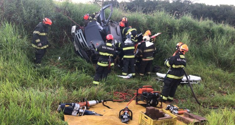 Comerciante morreu após o veículo em que ele estava capotar em Bady Bassitt — Foto: Gazeta do Interior
