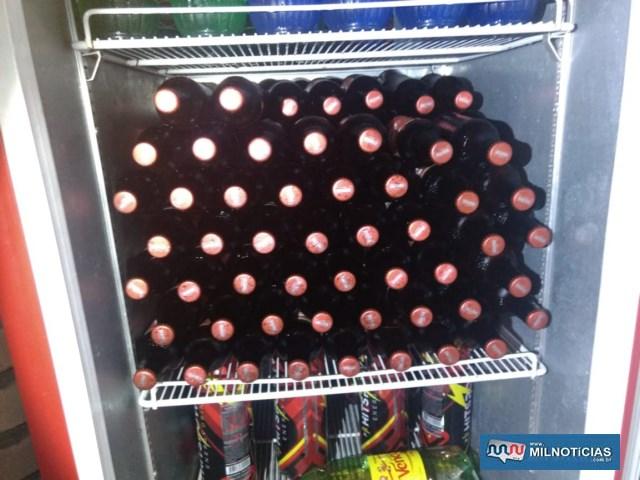 Evento era regado a muita bebida alcoólica, incluindo cerveja, corotes, litros de whisky. Foto: DIVULGAÇÃO
